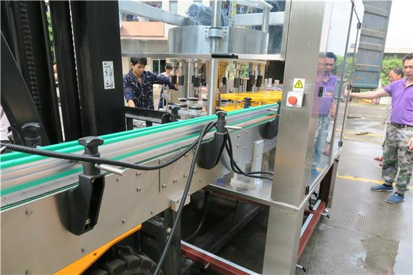 Үр дүнтэй лонхны эргэлтэт наалт шошгоны машин тоног төхөөрөмж PLC мэдрэгчтэй дэлгэц