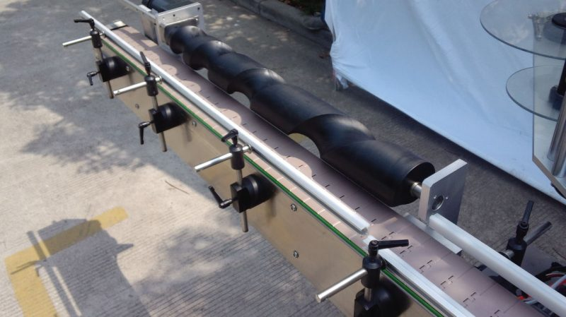 Ашигласан автомат үйлдвэрийн үнийн өөрөө наалддаг ханган нийлүүлэгч Хятад сав баглаа боодол дугуй лонх шошголох машин